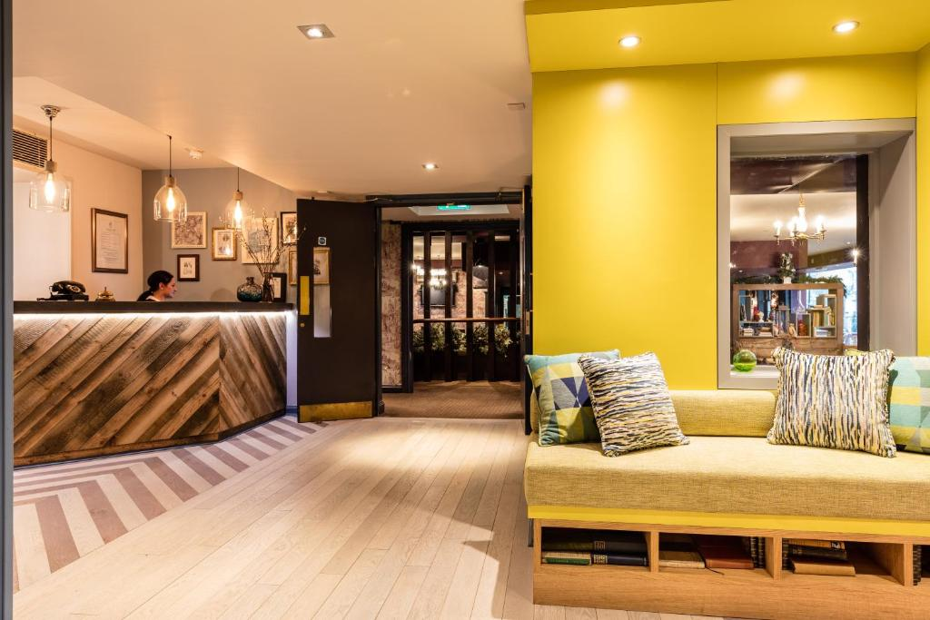 The lobby or reception area at The Alexander Pope Hotel