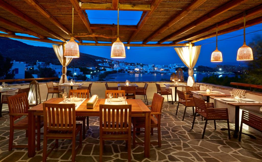 A restaurant or other place to eat at Vrahos Boutique Hotel