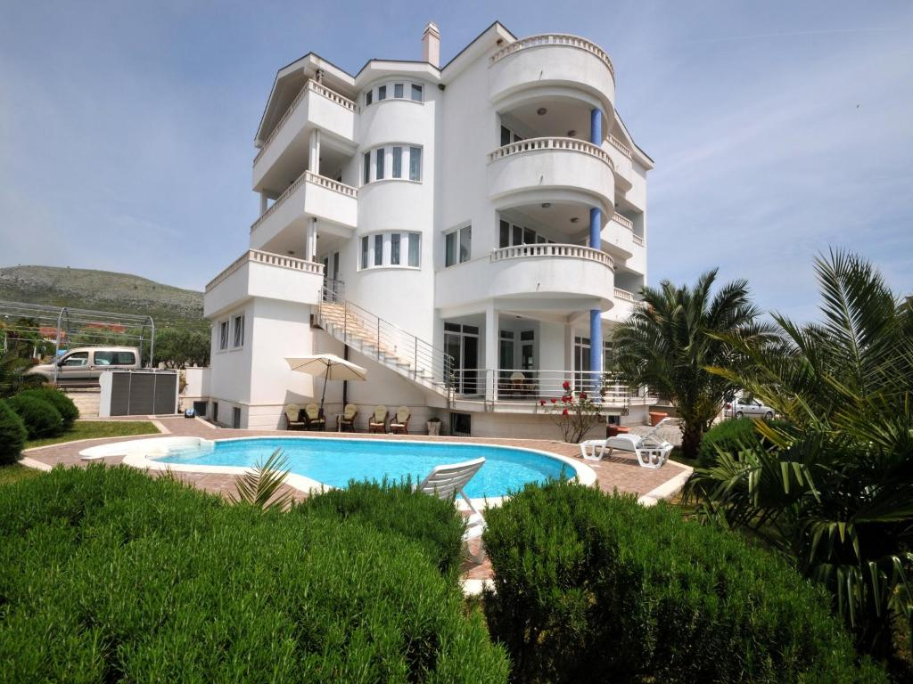 Villa Lida 2