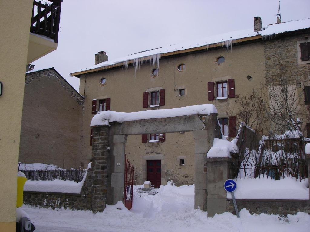 La Maison Bleue a l'hivern