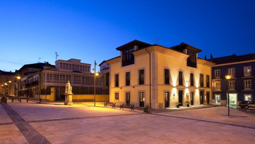 Antiguo Casino Hotel, Pravia, Spain - Booking.com