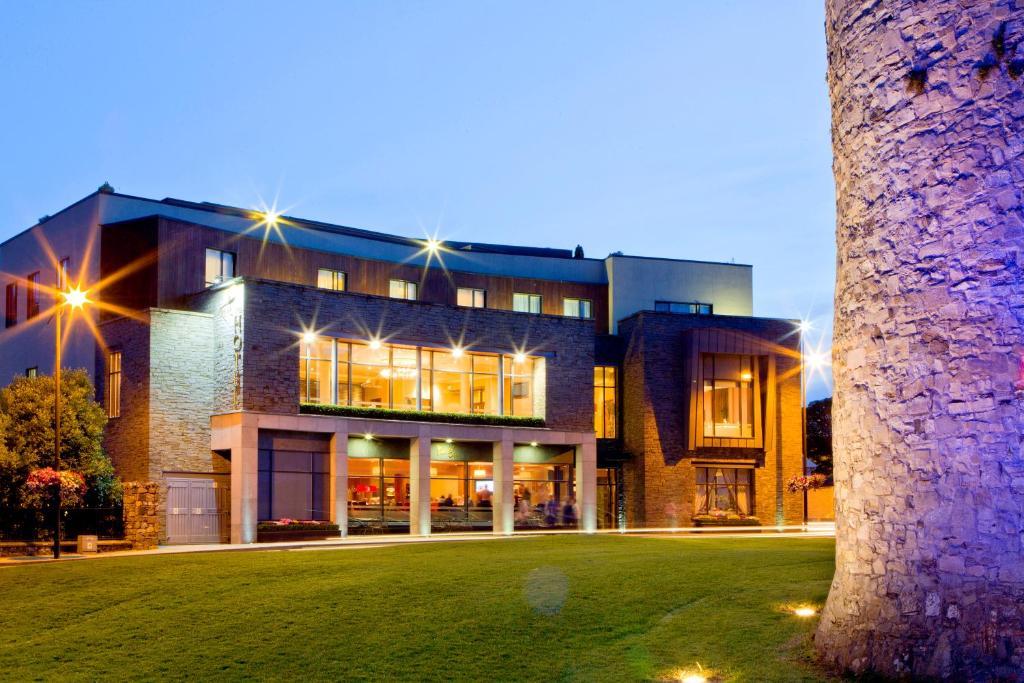 Book Trim Castle Hotel in Trim | brighten-up.uk