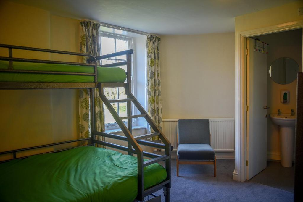 A bunk bed or bunk beds in a room at Ingleton Hostel