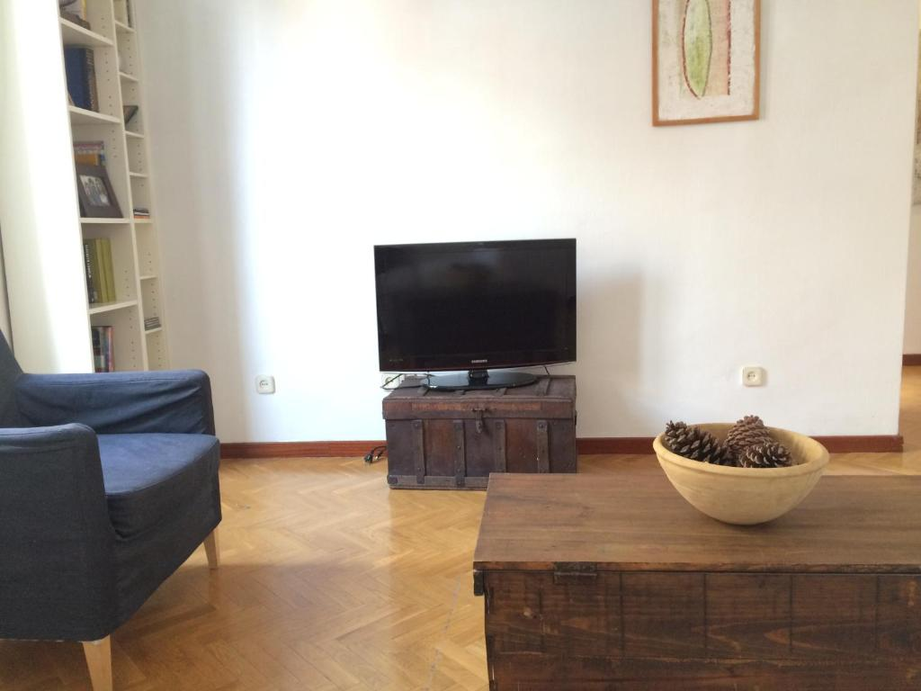 Apartamento Reina Sofia Madrid Spain Booking Com