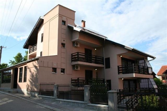 Vila Prica