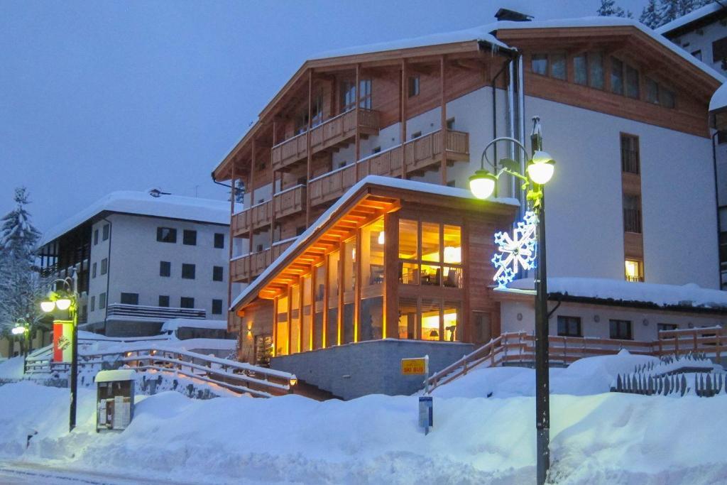Hotel Garnì Caminetto durante l'inverno