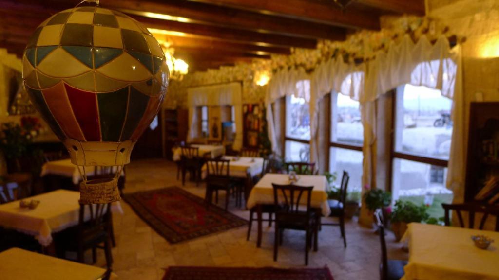 Ресторан / где поесть в Traveller's Cave Hotel