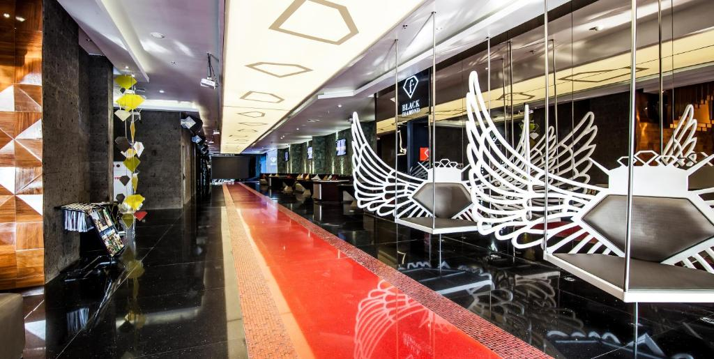 A restaurant or other place to eat at Fashion Hotel Legian