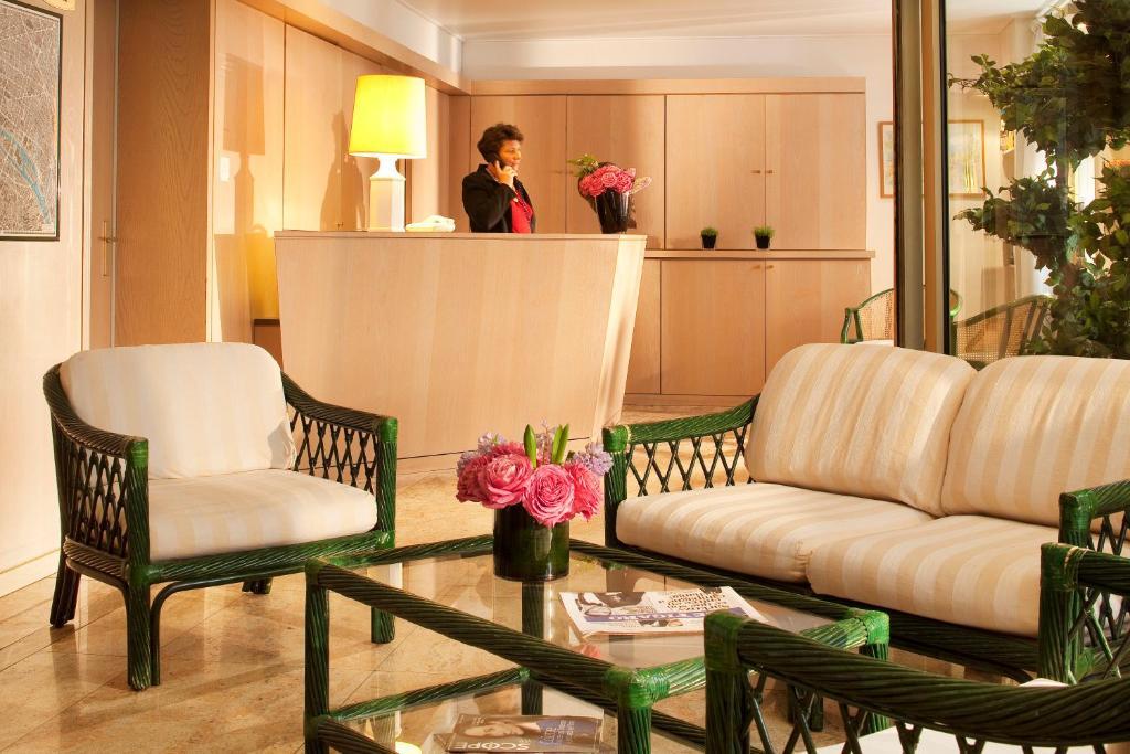 Lobby/Rezeption in der Unterkunft Au Pacific Hotel