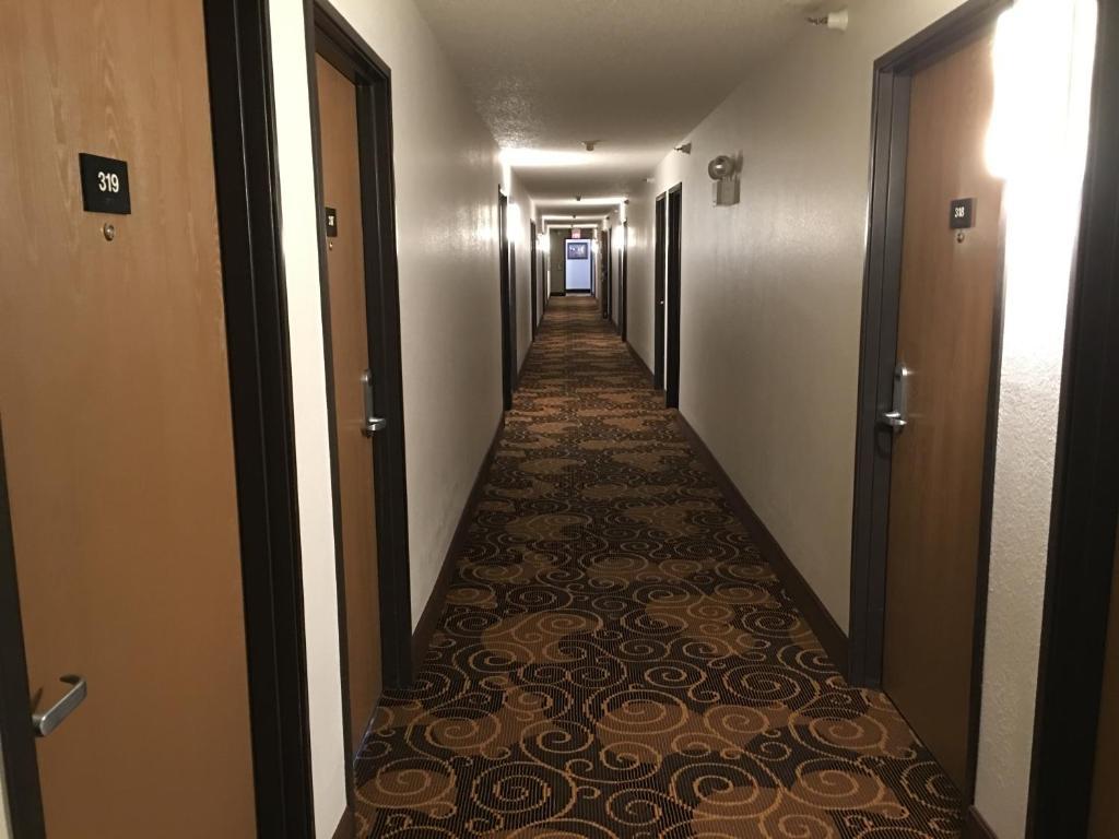 Quincy Inn & Suites