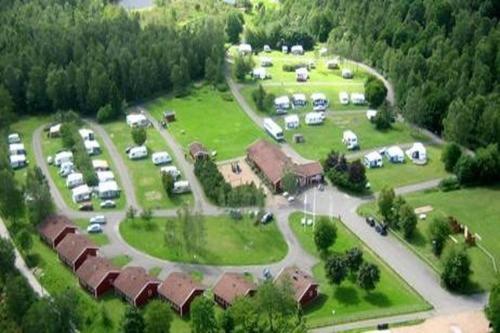 Ett flygfoto av Mösseberg Camping och Stugby