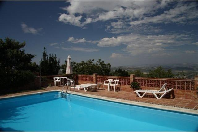 The swimming pool at or close to La Finca Mercedes