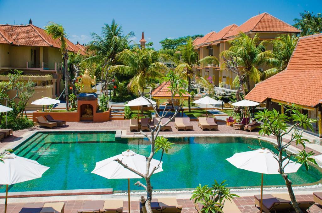 Piscine de l'établissement Green Field Hotel and Restaurant ou située à proximité