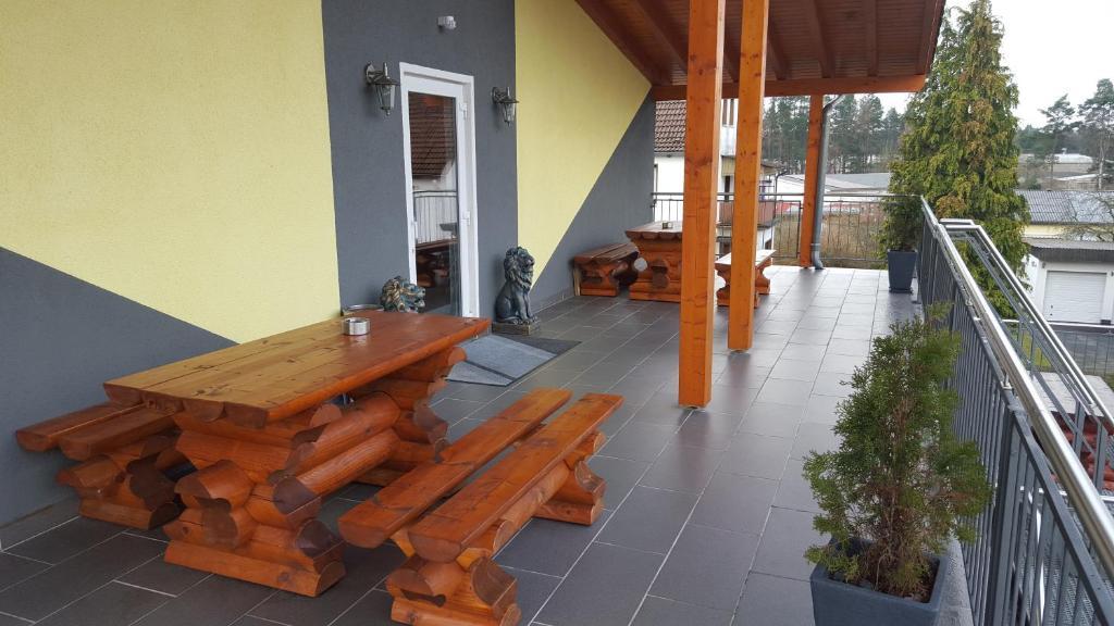 Ein Balkon oder eine Terrasse in der Unterkunft Appartements Vermietung