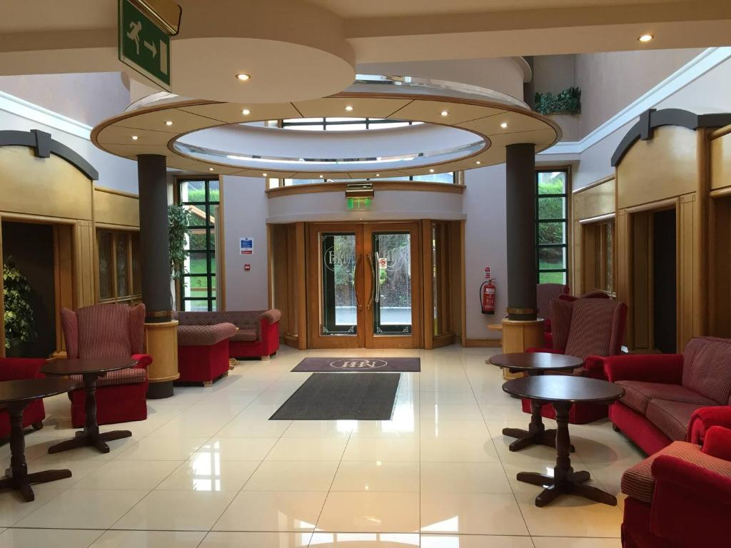 The lobby or reception area at Mourne Country Hotel