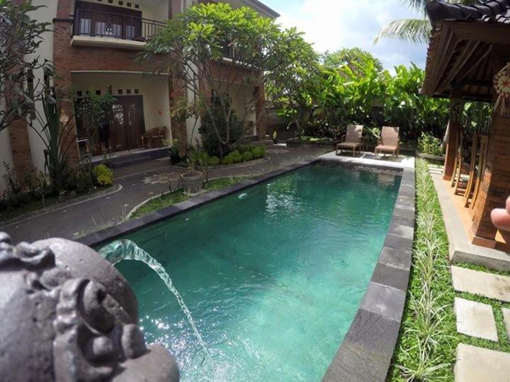 The swimming pool at or close to Nami House