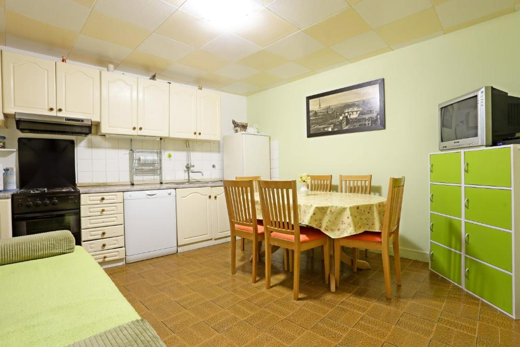Karmen Apartment