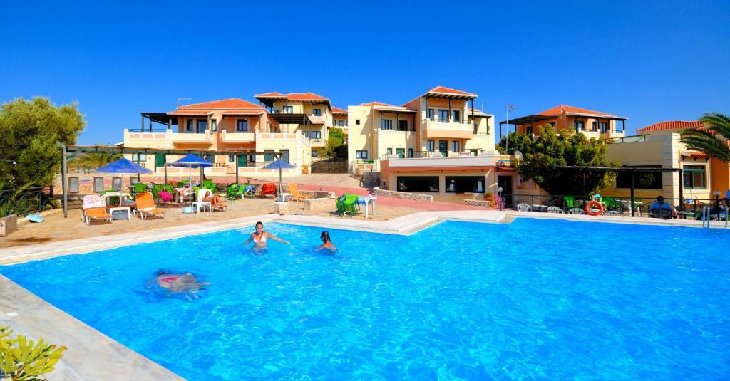 Πισίνα στο ή κοντά στο Aloni Suites