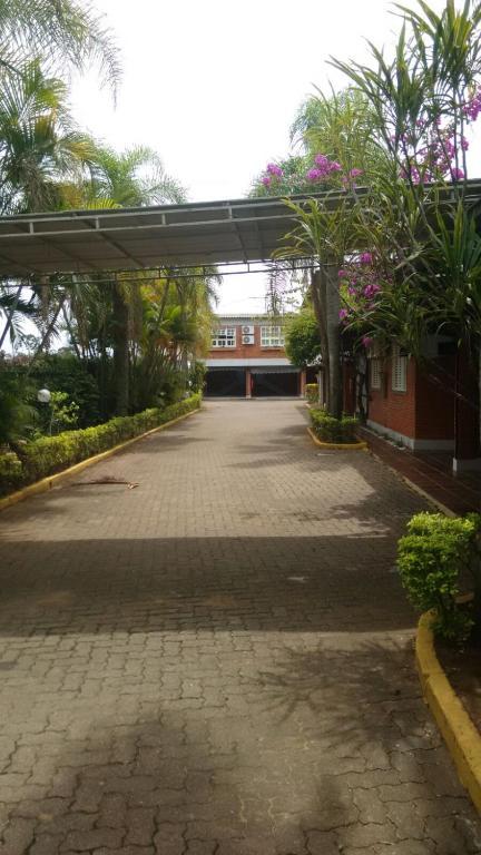 Bonnel Motel e Pousada Tropical