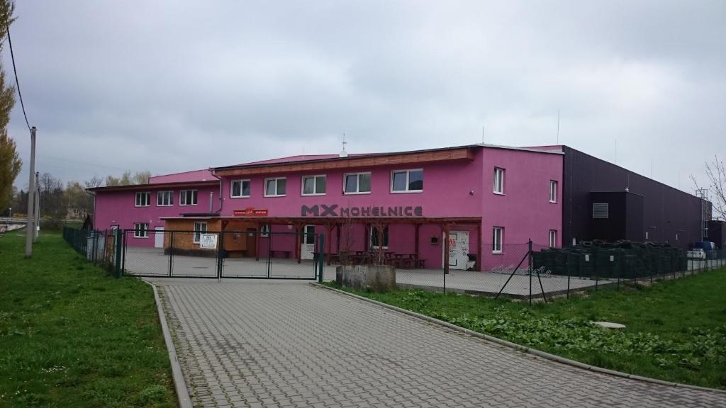 Budova, kde se motel nachází