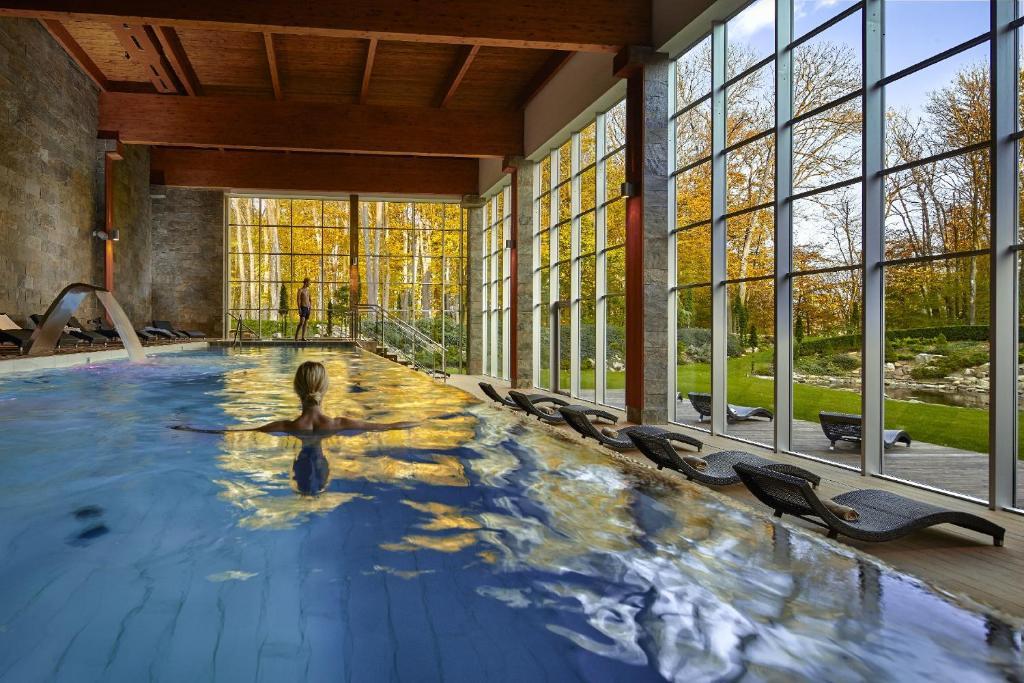 Bazén v ubytovaní Hotel Zochova Chata alebo v jeho blízkosti
