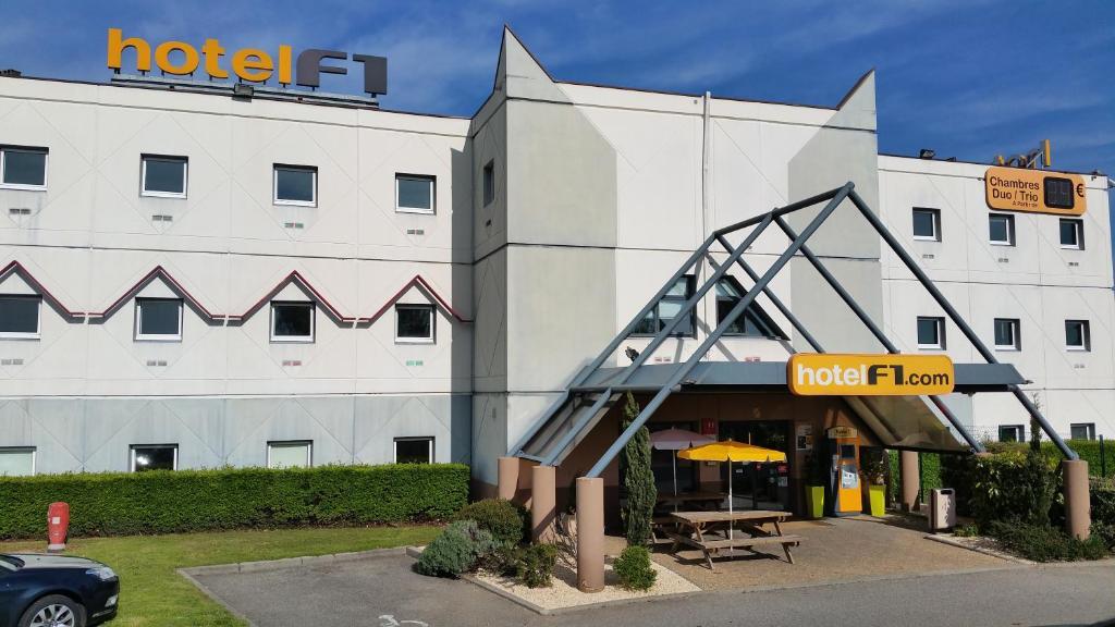 Hotelf1 Lyon Isle D Abeau Saint Quentin Fallavier France