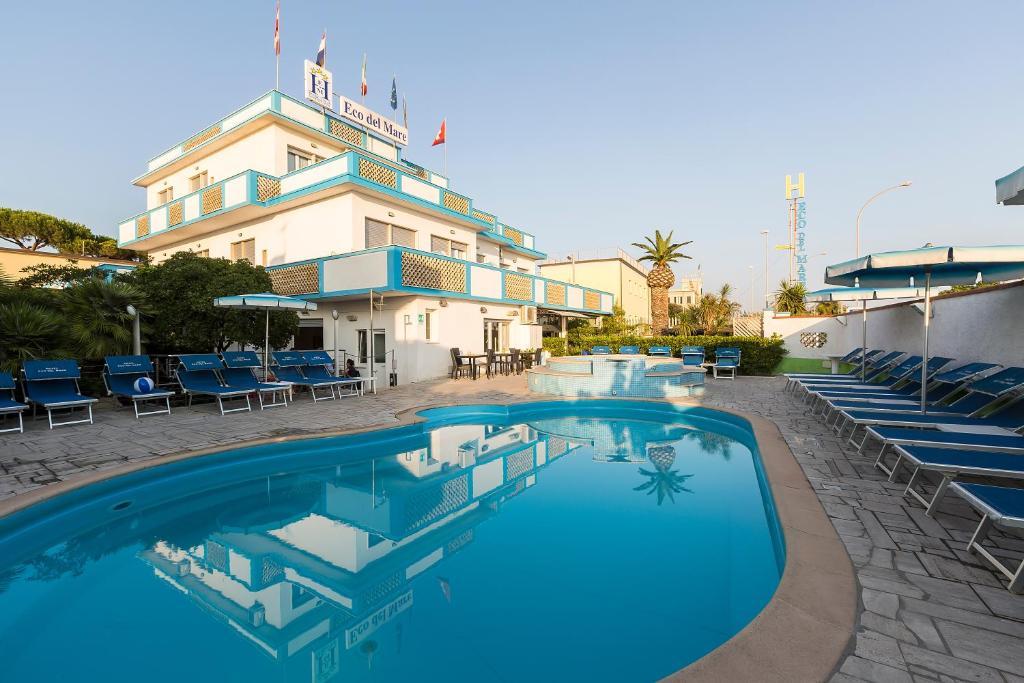 Mar Sedie E Tavoli.Hotel Eco Del Mare Marina Di Massa Italy Booking Com