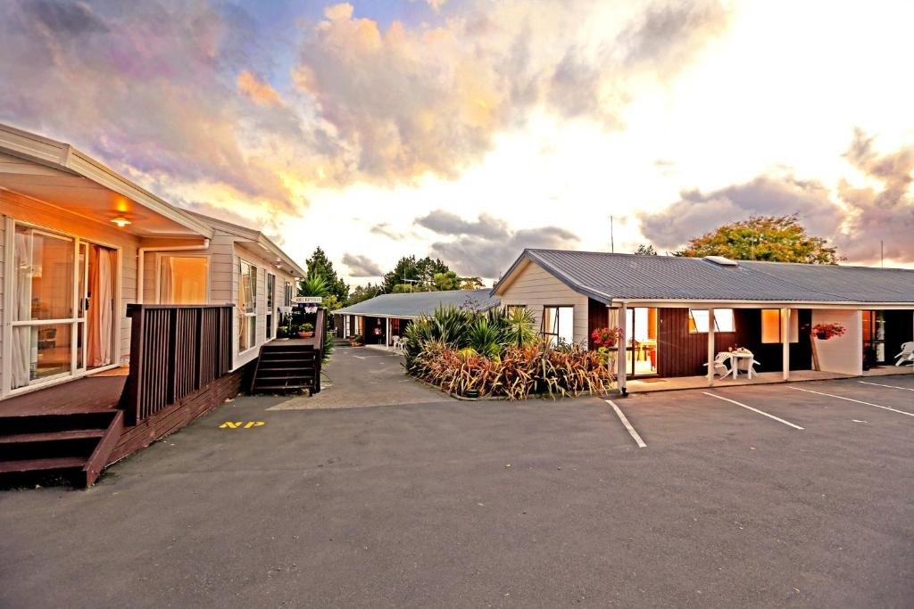 Waiuku Lodge Motel