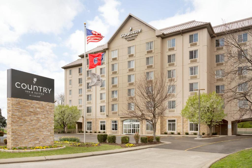 Country Inn & Suites by Radisson Nashville Airport.
