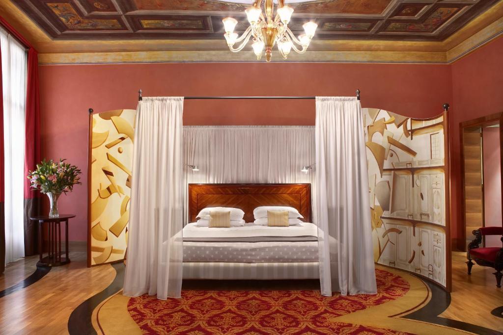 Hotel Saturnia & Intl, Venice, Italy - Booking.com