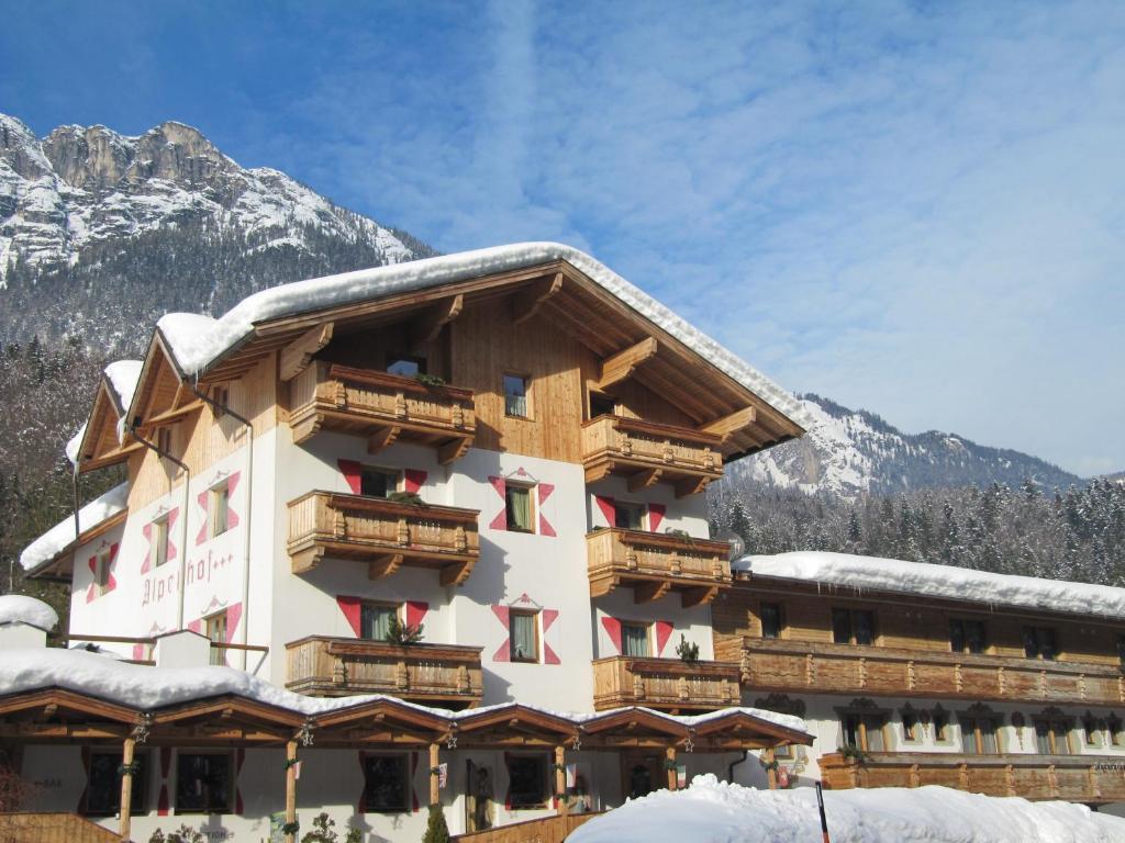 Gasthof Alpenhof Mariastein im Winter