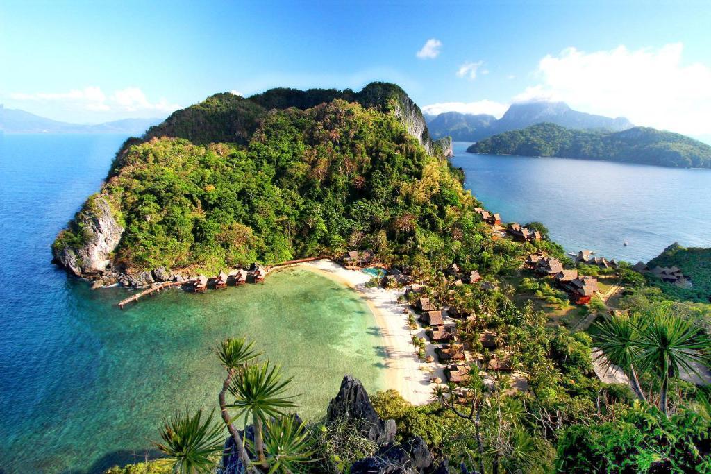 A bird's-eye view of Cauayan Island Resort and Spa