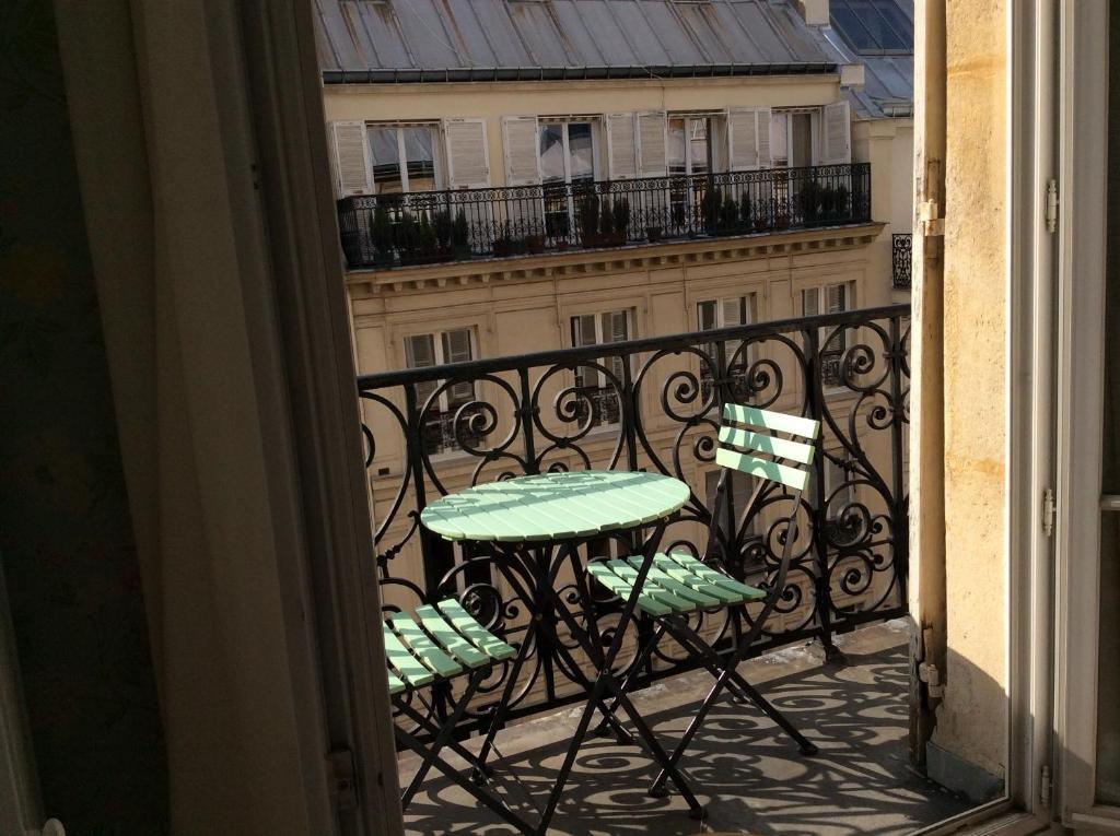 מרפסת או טרסה ב-Bed and Breakfast Paris Arc de Triomphe