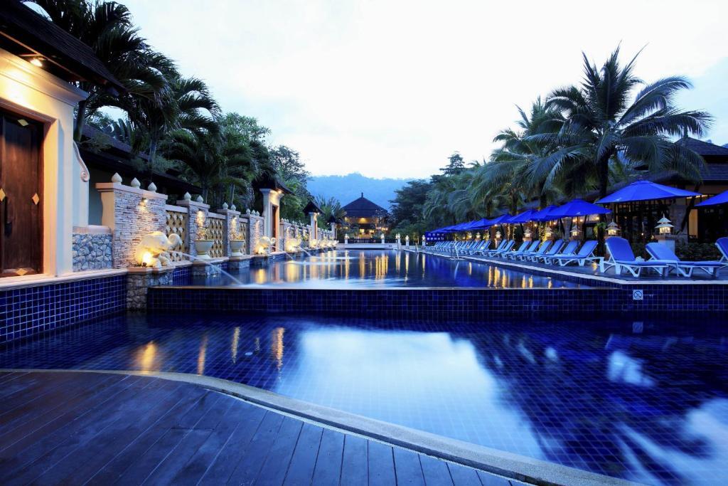 Swimmingpoolen hos eller tæt på Seaview Resort Khao Lak