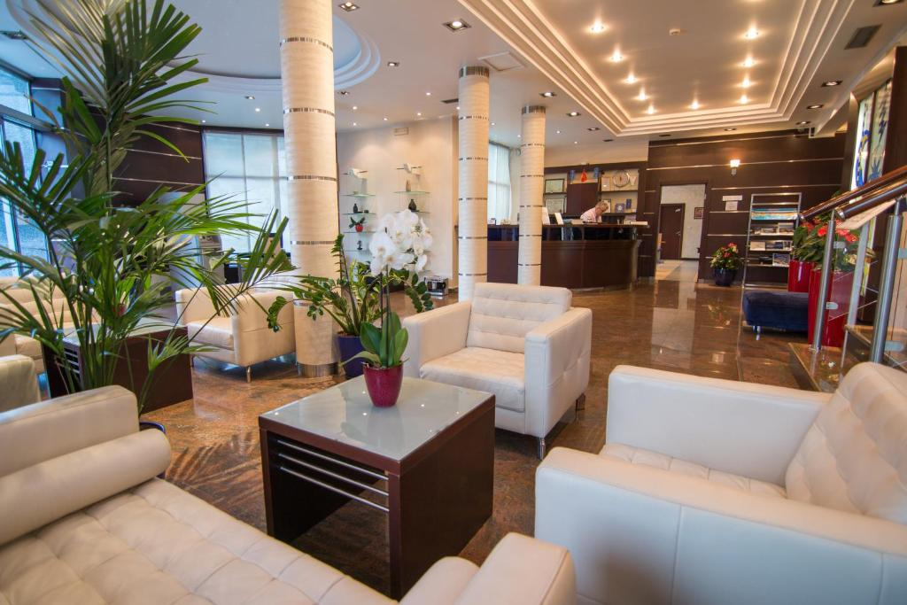 The lobby or reception area at Hotel Blue Star