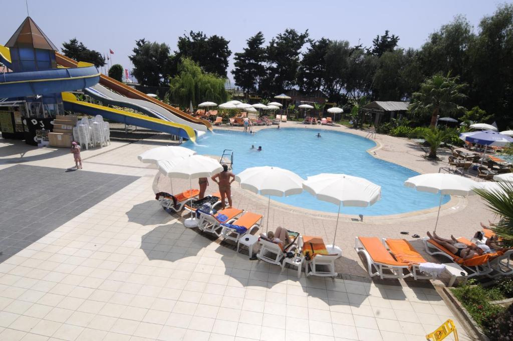 Вид на бассейн в Klas Hotel или окрестностях