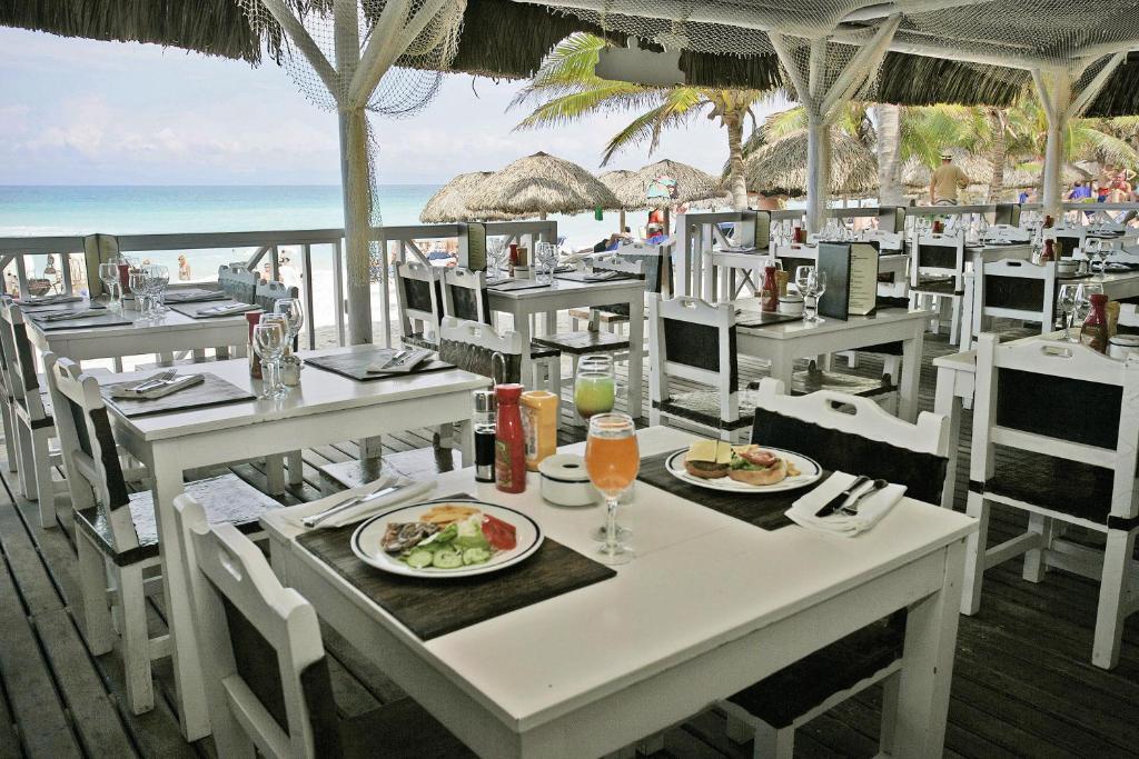 Un restaurante o sitio para comer en Melia Varadero