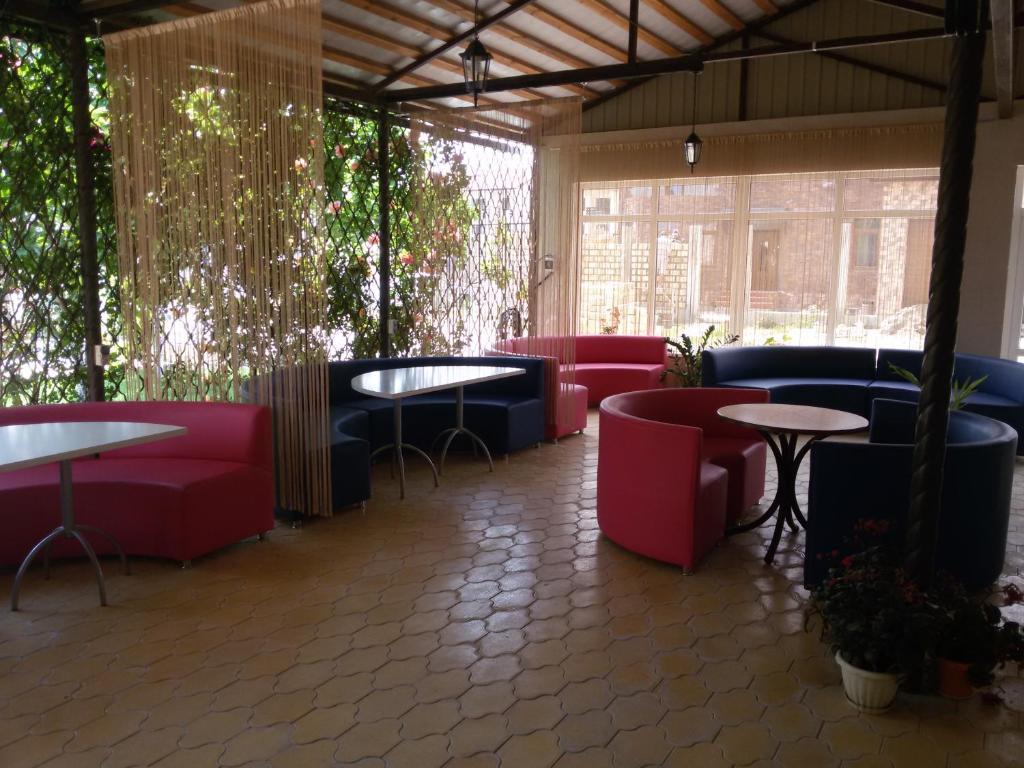 Лаундж или бар в Радужный Отель