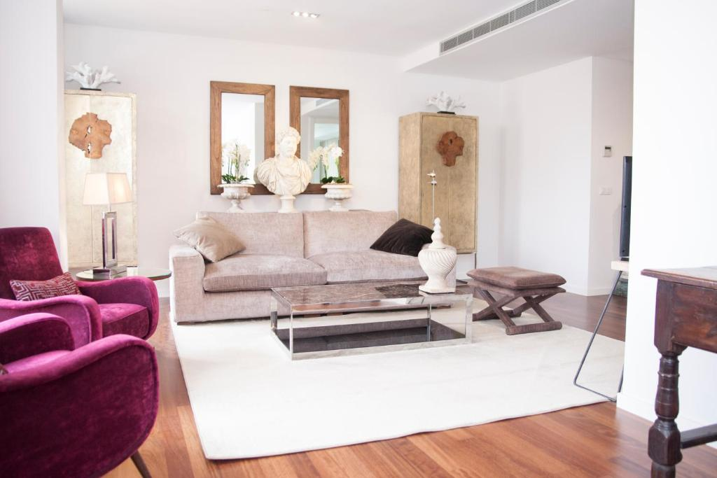 A seating area at Malaga Center Flat Luxury