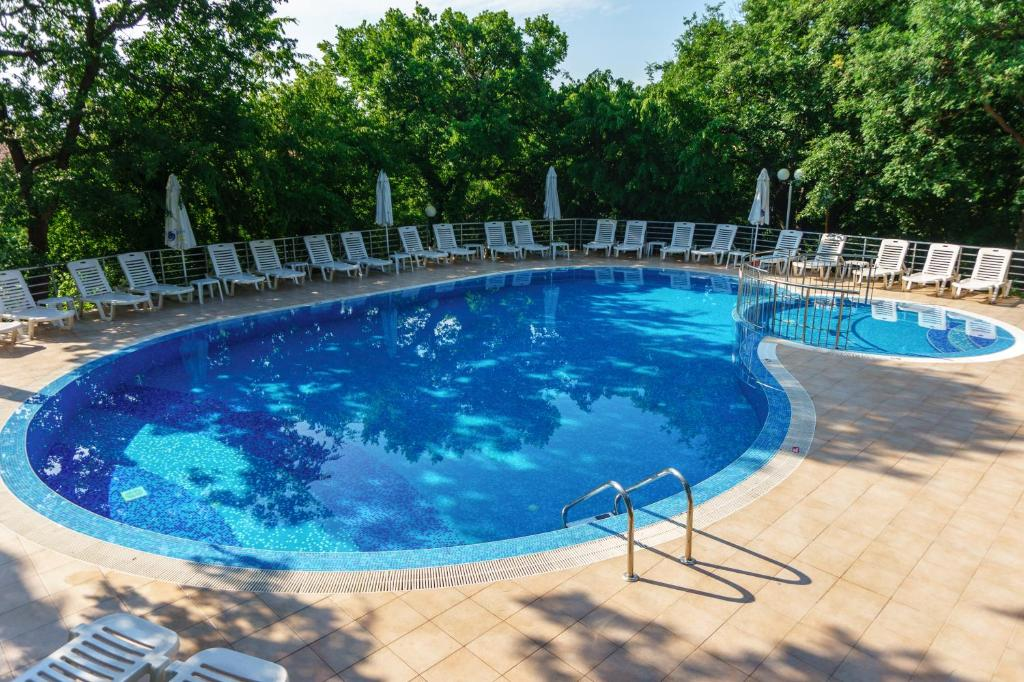 The swimming pool at or near Odessos Park Apartments (Free Pool & Parking)