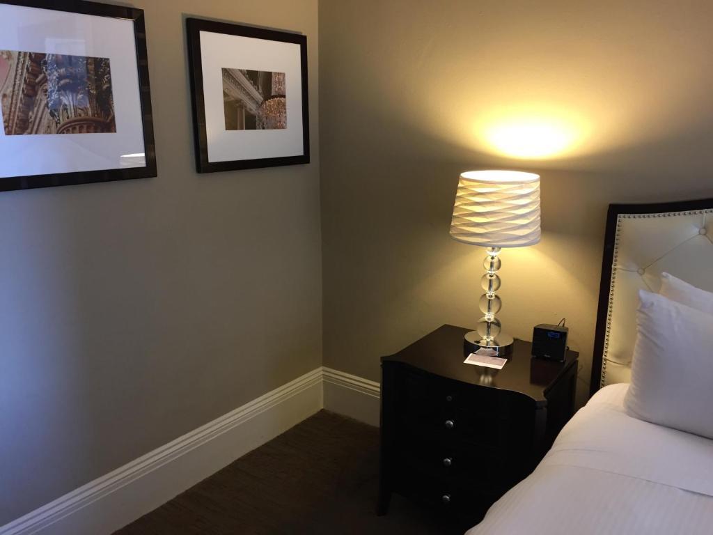 Kensington Park Hotel - A Personality Hotel