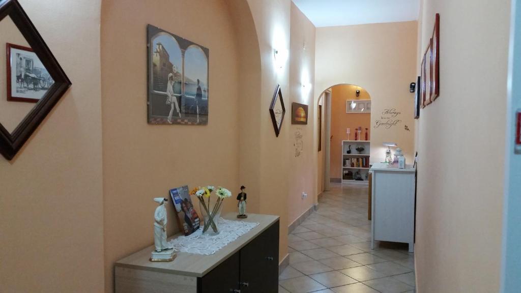 A kitchen or kitchenette at B&B Il Sole Di Napoli