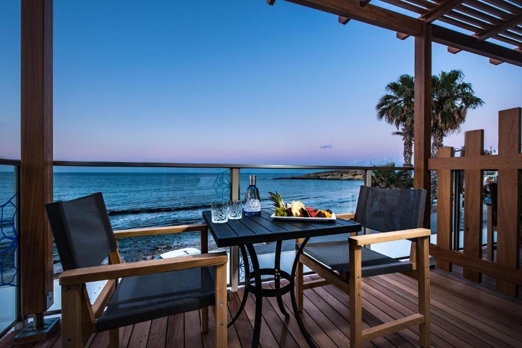 Restauracja lub miejsce do jedzenia w obiekcie Infinity Blue Boutique Hotel & Spa - Adults Only