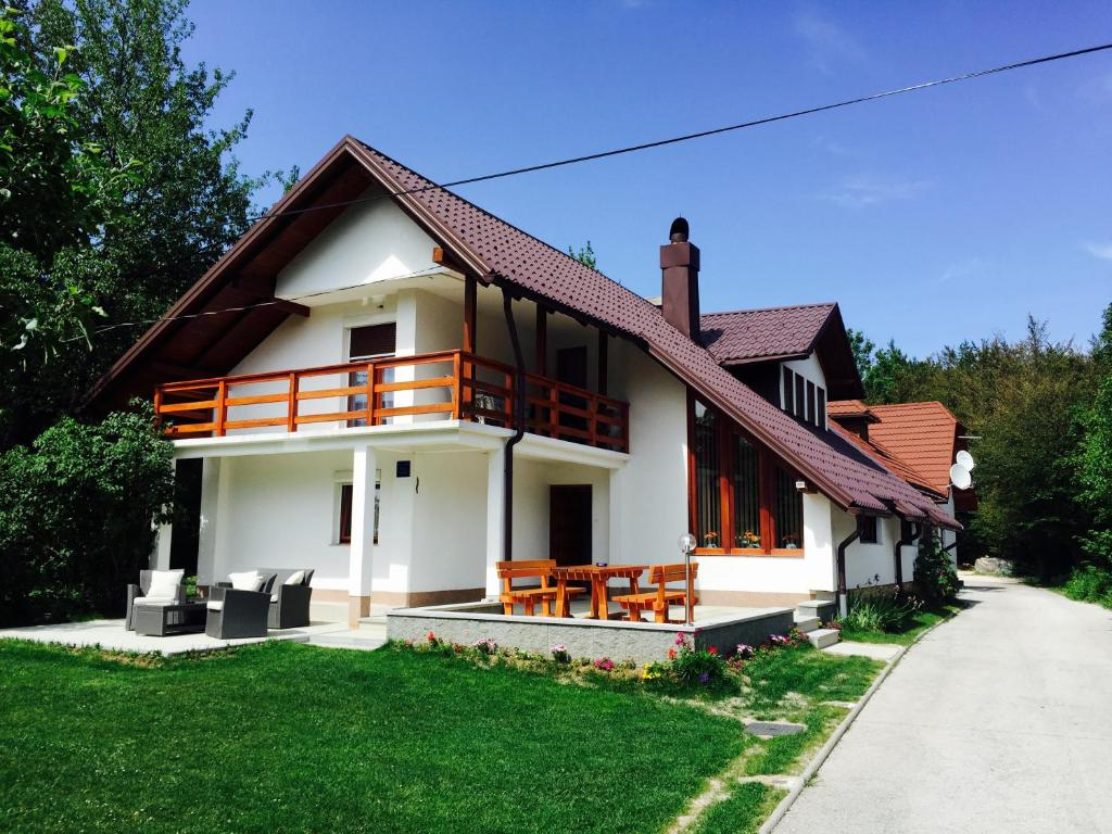 House Samardzic
