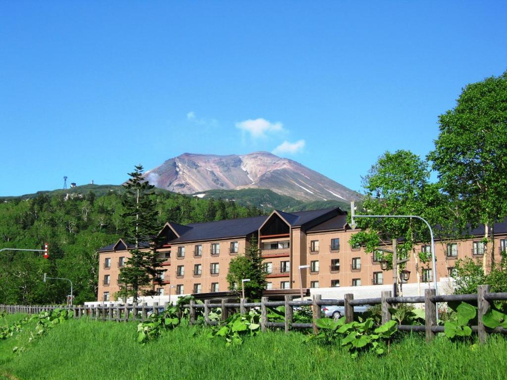 A garden outside Asahidake Onsen Hotel Bear Monte