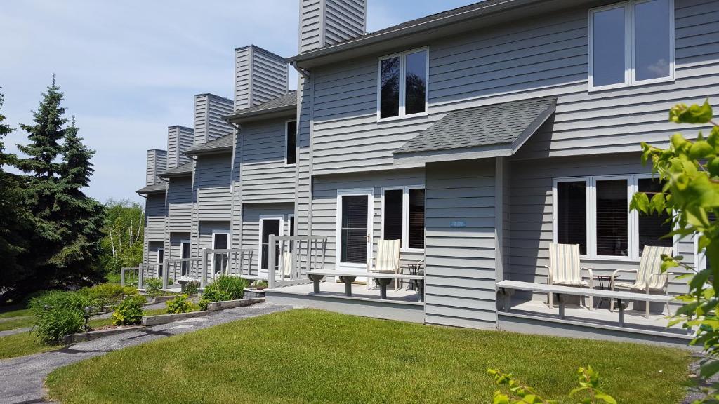 Evergreen Hill Condominiums
