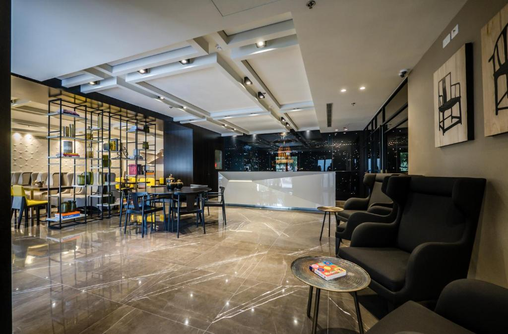 Lounge atau bar di Golden Crown Haifa