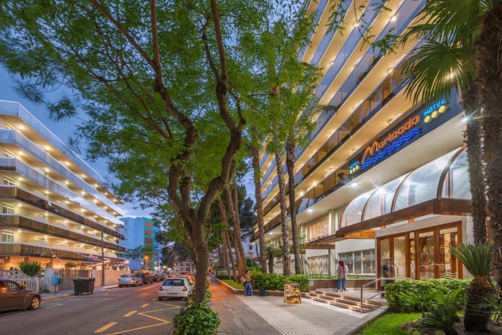 Hotel Marinada (España Salou) - Booking.com