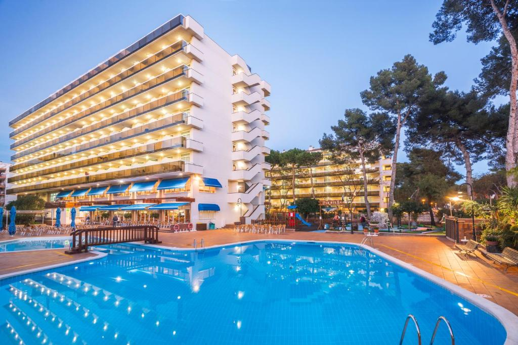 Hotel Marinada (España Salou) - Booking.com