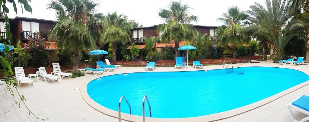Бассейн в Kutle Hotel или поблизости